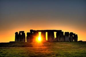 640px-Stonehenge_(sun)